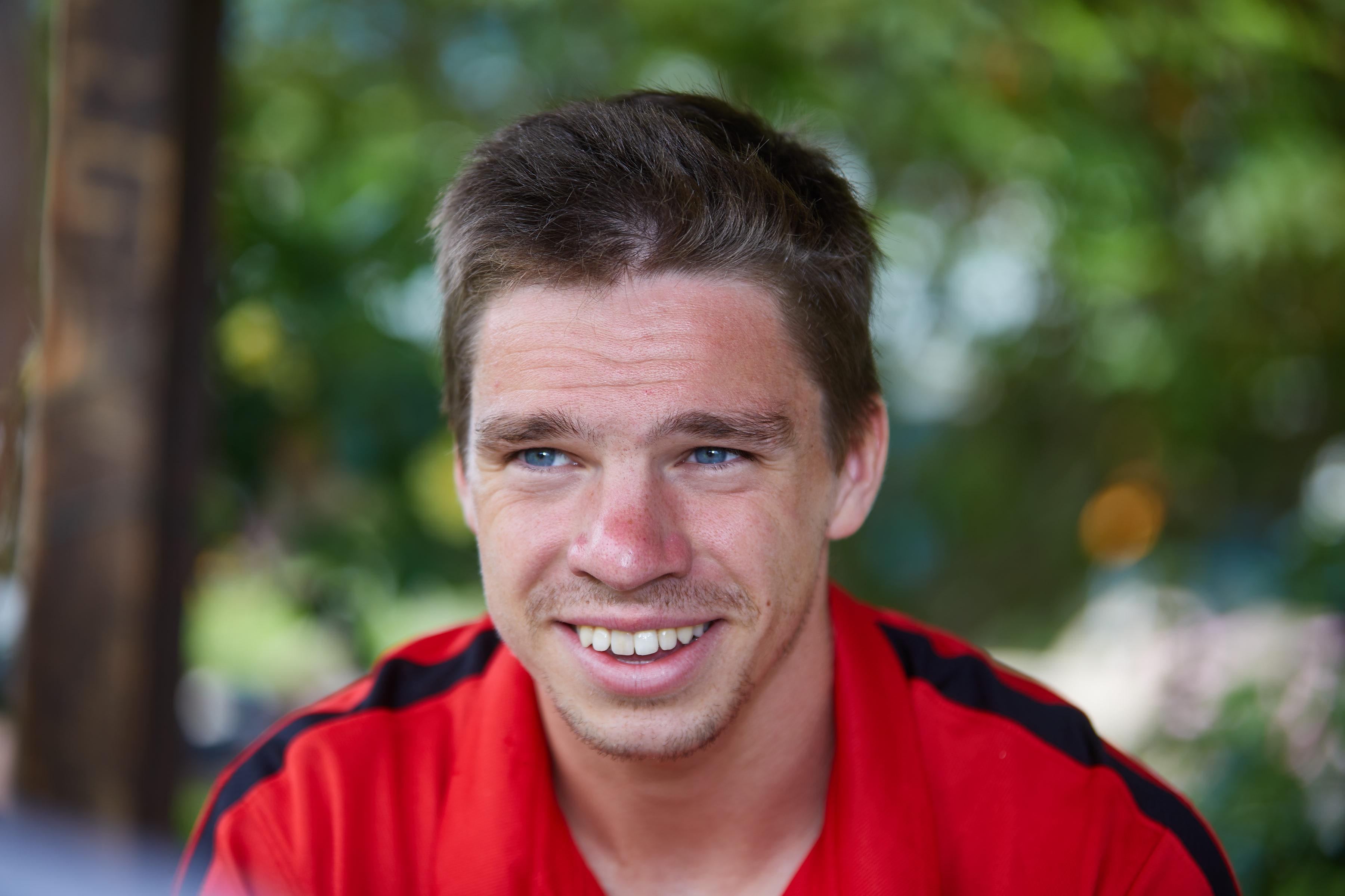 Hat wieder Grund zu lachen: Raphael Framberger will nach überstandener Knieverletzung wieder richtig fit werden.